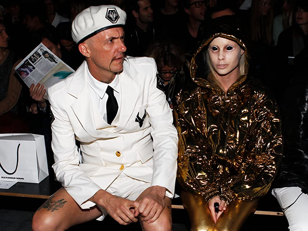 die antwoord are they dating Die antwoord has a new album coming out on september 16, titled mount ninji and da nice time kid, which they previously described as dark but optimistic in tone as that release date creeps closer .