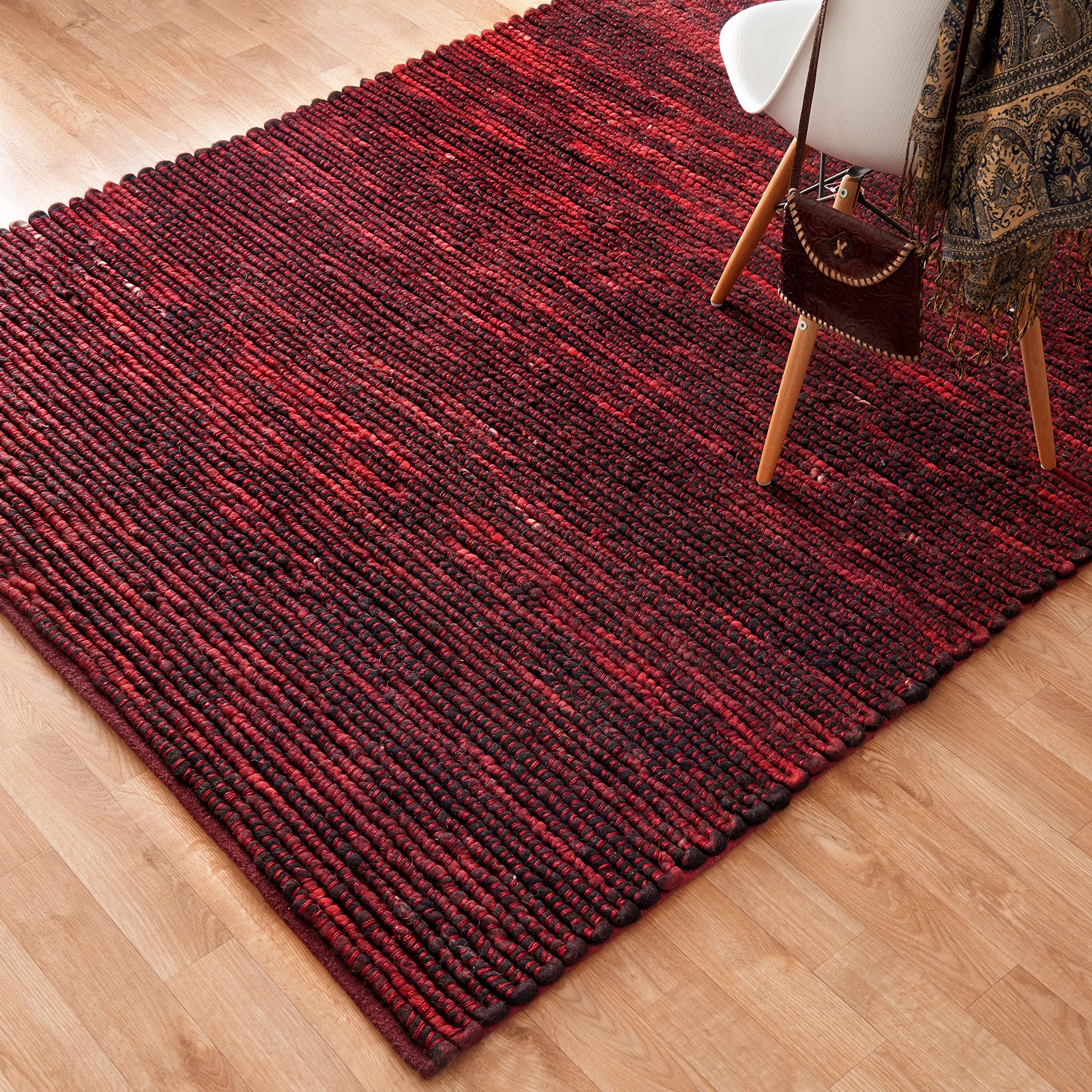 Alexander Home Hand-woven Thais Poinsettia Felted Wool Rug (5' x 7'6) by Alexander Home