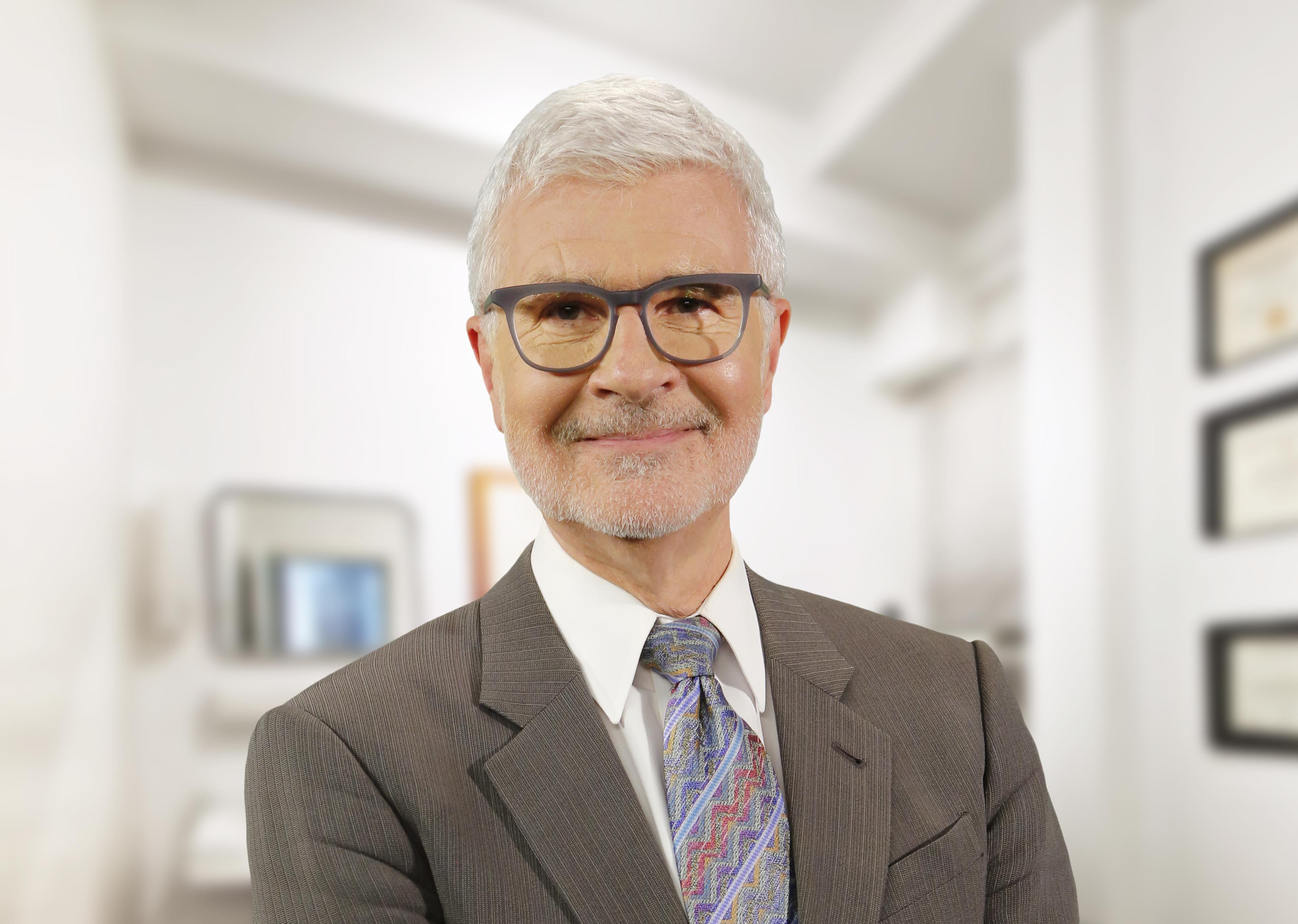 Dr. Steven R Gundry