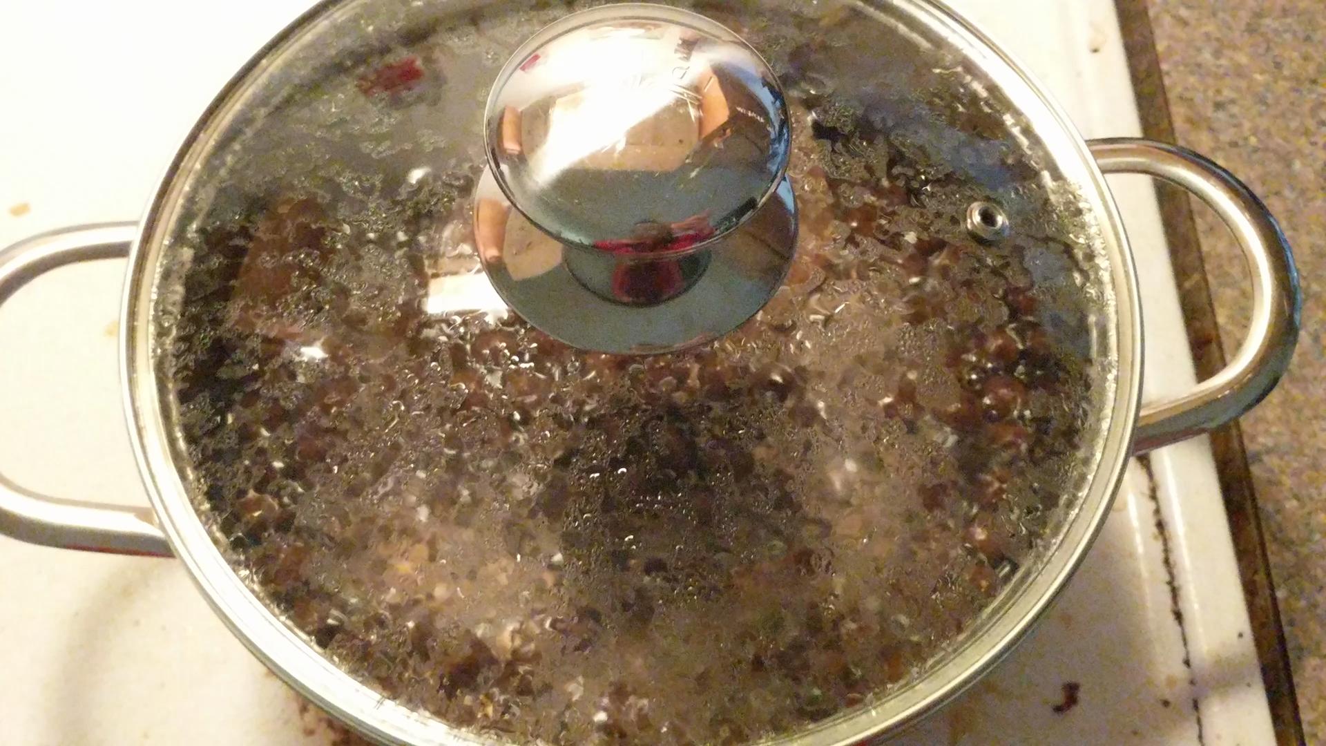 how to make white tapioca pearls black