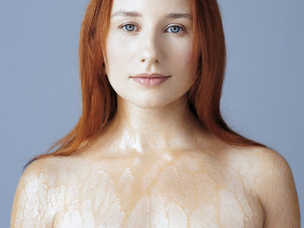 Photo of the beautiful sexy  Tori Amos from Newton, North Carolina without makeup