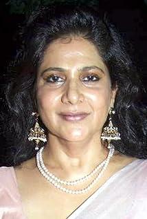 Asha Sachdev Picture