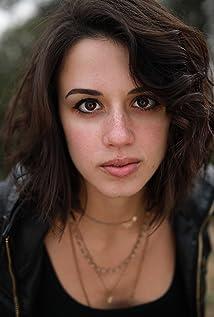 Aktori Jenna Kanell
