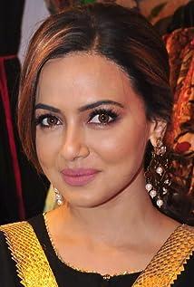 Aktori Sana Khaan