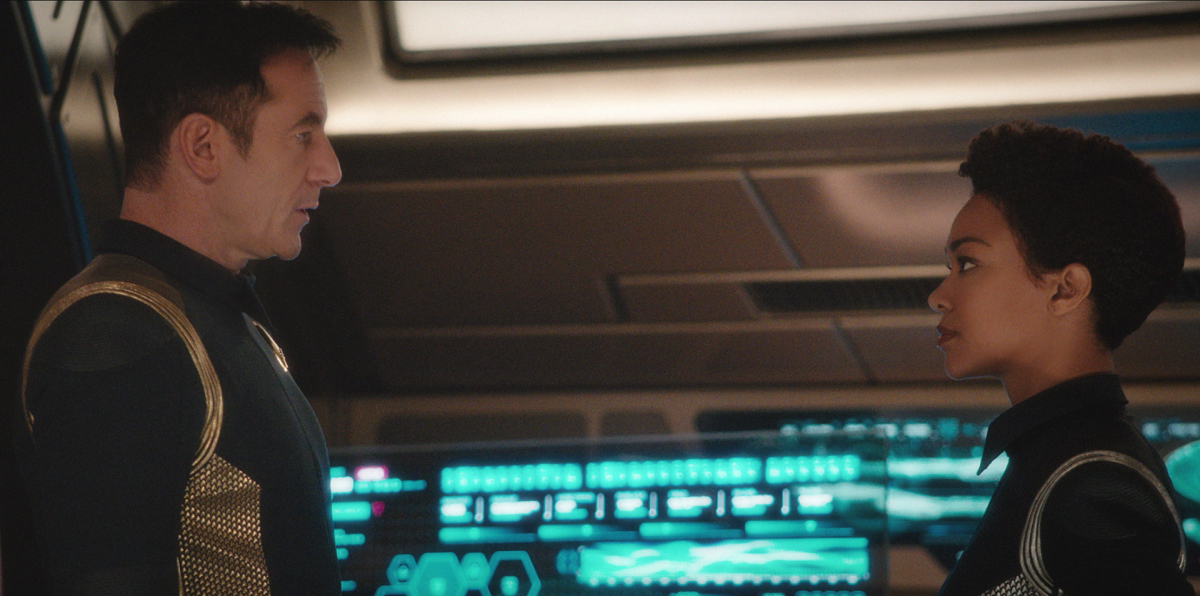 Jason Isaacs and Sonequa Martin-Green in Star Trek: Discovery (2017)