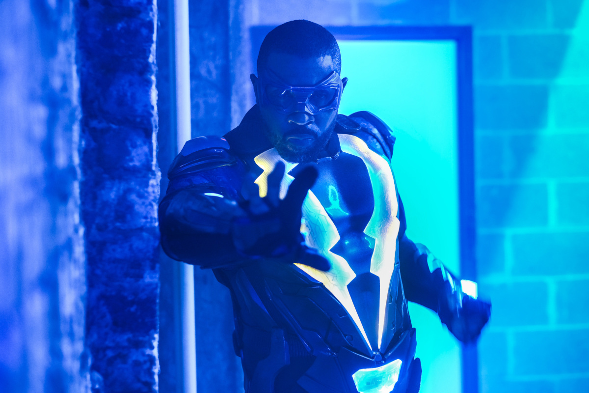 Black Lightning: Equinox: The Book of Fate | Season 1 | Episode 7