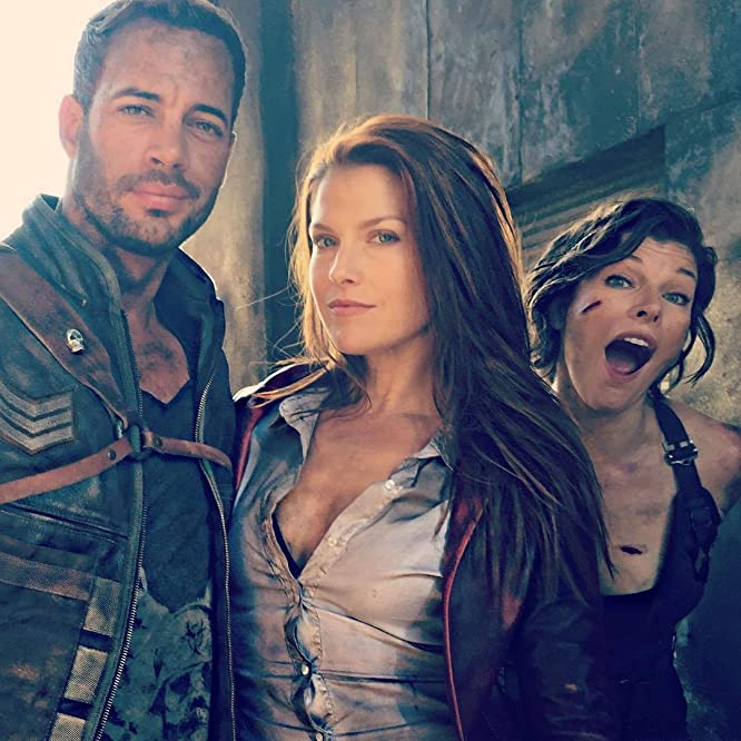 Milla Jovovich, Ali Larter, and William Levy in Resident Evil: The Final Chapter (2016)
