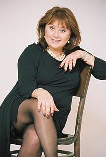Hana Laszlo Picture
