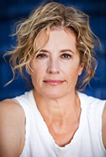Nancy Travis Picture