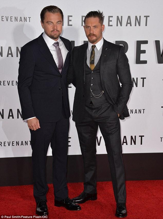 ¿Cuánto mide Leonardo DiCaprio? - Real height MV5BMDlkMGE4M2ItYTEwOC00ZDU5LTlhMDYtZmJmNDI0YzJkMzg5XkEyXkFqcGdeQXVyNTc3MjUzNTI@._V1_