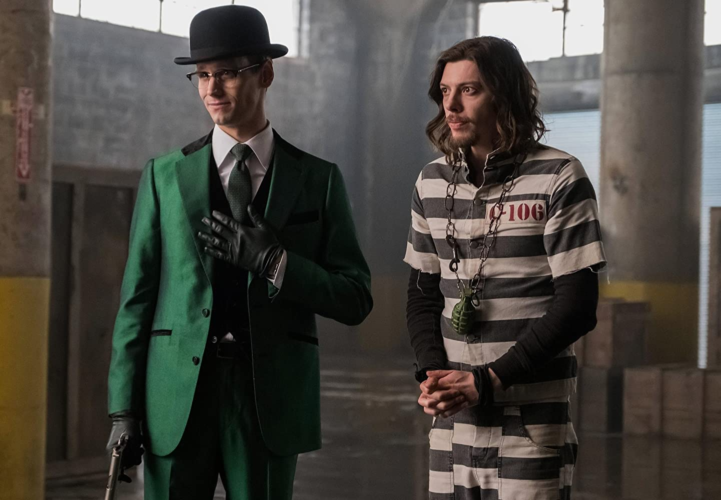 Gotham S03E06 – Mad City: Follow the White Rabbit