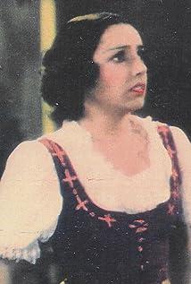 Nina Quartero Picture