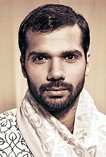 Aktori Neil Bhoopalam