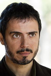 Julio Manrique Picture