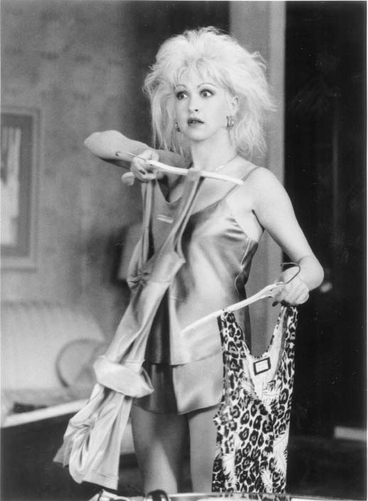 Cyndi Lauper in Vibes (1988)