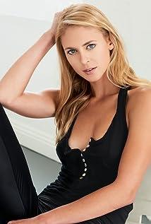 Aktori Sara Mitich