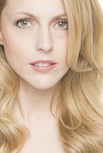 Natalie Alison Picture