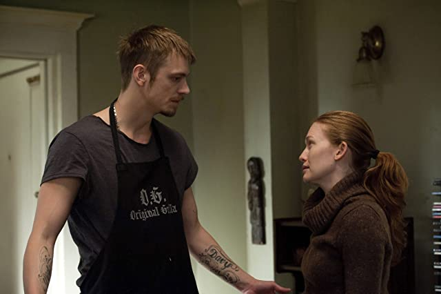 Mireille Enos and Joel Kinnaman in The Killing (2011)