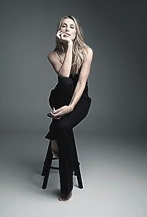 Aktori Natalia Safran