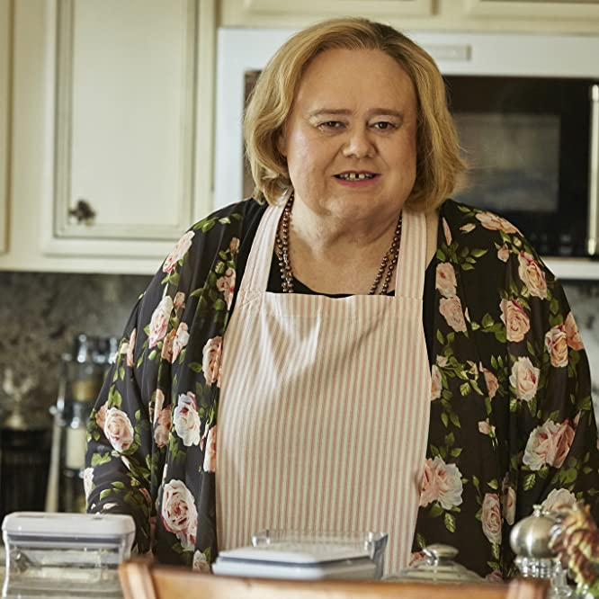 Louie Anderson in Baskets (2016)