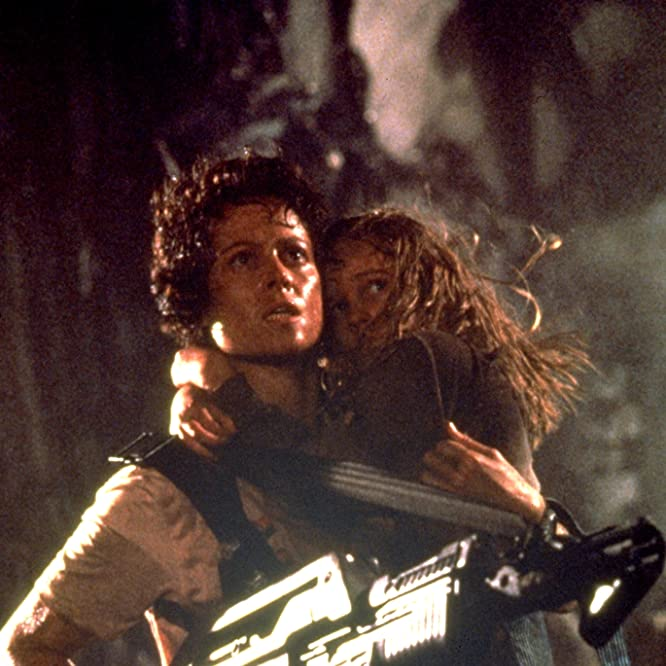 Sigourney Weaver and Carrie Henn in Aliens (1986)