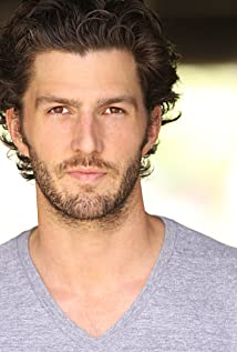 Aktori Tyler Jon Olson