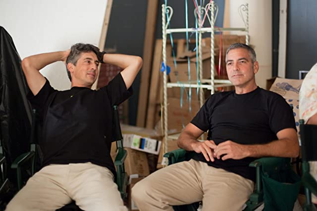 George Clooney and Alexander Payne in The Descendants (2011)