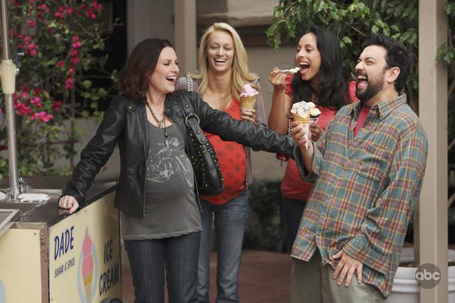 Megan Mullally and Horatio Sanz in In the Motherhood (2009)