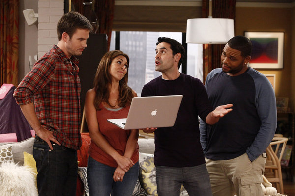 Anthony Anderson, Jesse Bradford, Jamie-Lynn Sigler, and Zach Cregger in Guys with Kids (2012)