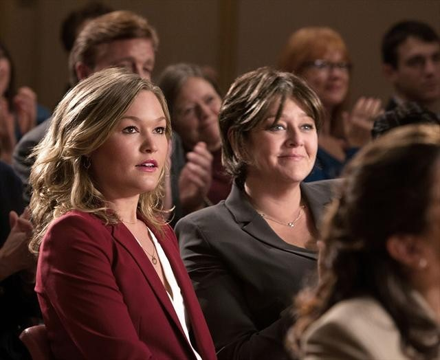 Camryn Manheim and Julia Stiles in The Makeover (2013)
