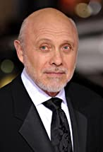 Hector Elizondo's primary photo