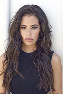 Chloe Bridges Picture