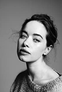 Anna Popplewell In Hunger Games
