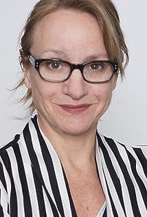 Nicole Rivelli Picture