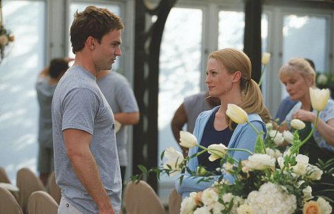 Steve Stifler (SEANN WILLIAM SCOTT) attempts to romance maid-of-honor Cadence (JANUARY JONES).