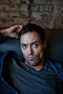 Alex Hassell Picture