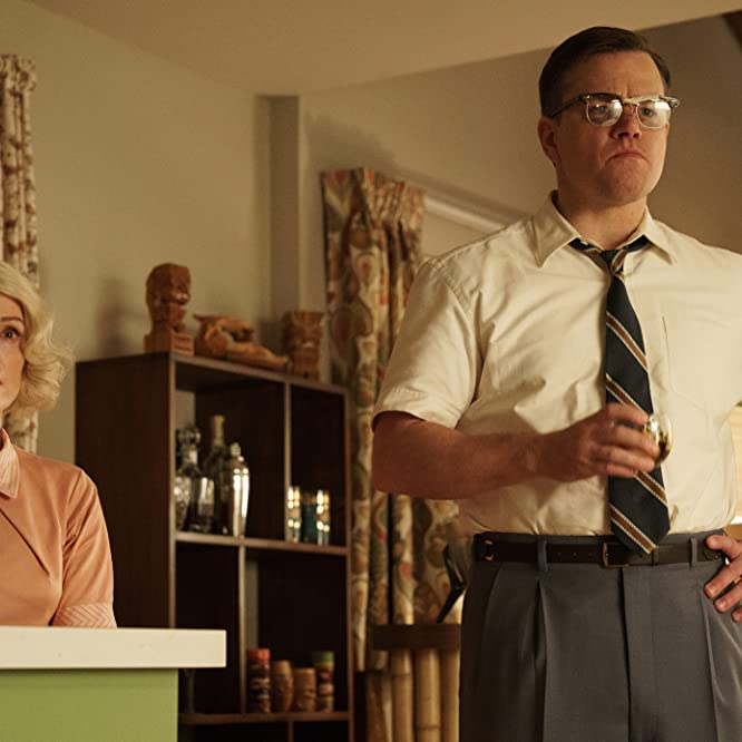 Julianne Moore and Matt Damon in Suburbicon (2017)
