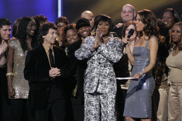 Patti LaBelle and Maria Menounos in Clash of the Choirs (2007)