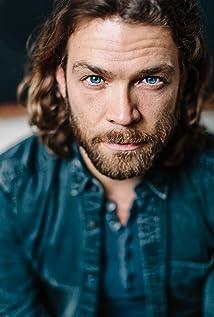 Aktori Juan Riedinger