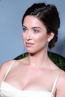 Aktori Melissa Bolona