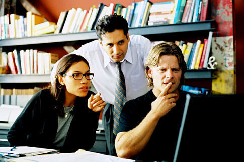 Steve Zahn, Cas Anvar, and Rosario Dawson in Shattered Glass (2003)