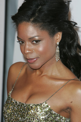 Naomie Harris at After the Sunset (2004)