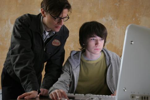 Liam Aiken and James Urbaniak in Fay Grim (2006)
