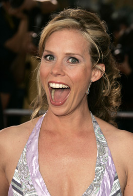 Cheryl Hines at Anchorman: The Legend of Ron Burgundy (2004)