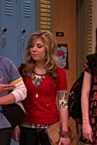 Image of iCarly: iStart a Fan War