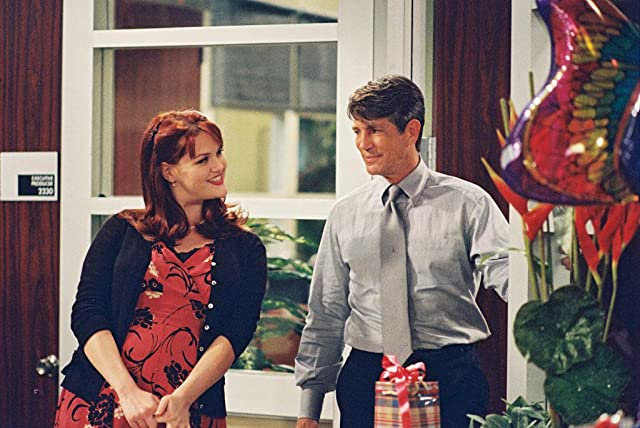 Eric Roberts and Sara Rue in Less Than Perfect (2002)