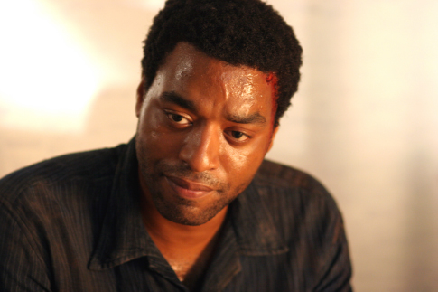 Chiwetel Ejiofor in Tsunami: The Aftermath (2006)