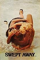 Travolti da un insolito destino nell'azzurro mare d'agosto Poster