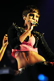Frankie Bridge Picture
