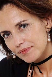 Aktori Amanda Ooms